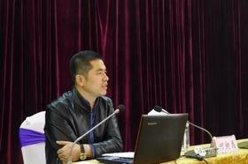 博猫注册集团董事长何昶磊为全县贫困村第一书记分享创业经验