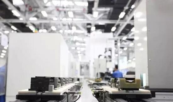 西门子成都电子工厂的智能总装线